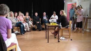 Arbetsgrupp under utveckling. Här syns Therese tillsammans med Kulturskolan i Visby.